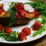 Bataty pieczone z salatka...