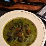 Zupa z sałaty i grzybów