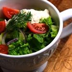 Salata z sosem serowo smi...