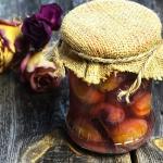 Śliwki wegierki kiszone