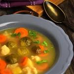 Zupa warzywna z brukselka...