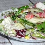 Salata w sosie jogurtowo-...