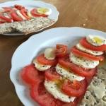 Salatka z pomidora i mozz...