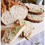 Domowy chleb na drozdzach...