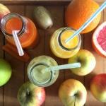 Domowe soki owocowe i war...