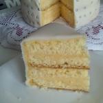 Tort z kremem maślanym
