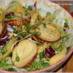 Salatka z serem wedzonym ...