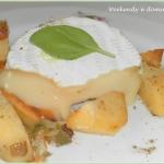 Camembert na pieczonych z...