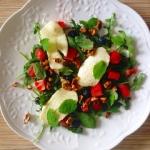 Salata z serem halloumi