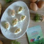 Jajka nadziewane pastą...