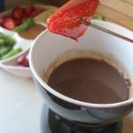 Fondue czekoladowe z owoc...