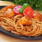 Spaghetti z pomidorowo -...