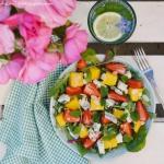 Letnia salatka z truskawk...