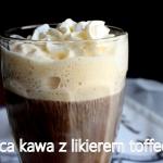 Gorąca kawa z pianką i...