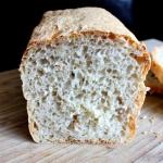Chleb jasny mieszany z pe...