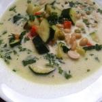 Zupa z cukinią i fasolą