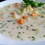 Zupa ogórkowa ze...