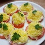 Pomidory z czosnkiem i se...