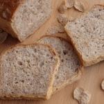 Chlebek drozdzowy z platk...
