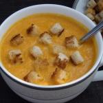 Zupa krem z marchewki z...