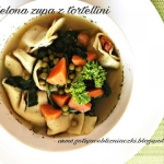 Zielona zupa z tortellini