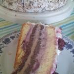 Tort z frużeliną...