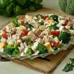 Bokulowa salatka z wedzon...