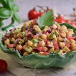 Salatka z awokado, pomido...
