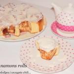 Cinnamons rolls z sosem s...