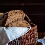 Chleb zytni razowy radziw...