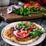 Turecka pizza z mięsem