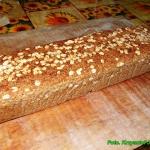 Domowy chleb razowy.