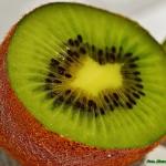 Dzem z owocow kiwi.