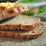 Domowy chlebek z miodem.