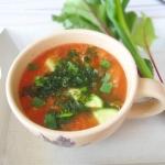 Letnia zupa z ogrodu z ka...