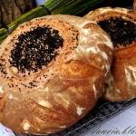 Dwa bliźniaki, chleb z...