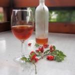 Wino z owoców dzikiej...