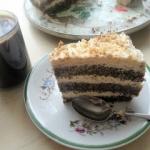 Tort makowy z kwasna smie...