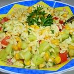 Warzywna salatka z makaro...