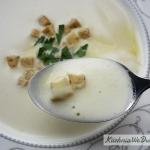 Zupa czosnkowa zpianką