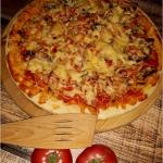 Domowa pizza na cieście...