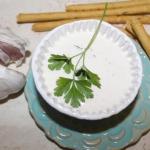 Szybki sos czosnkowy z zi...