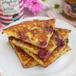 Jogurtowy omlet z owocami