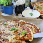Pizza rodzinna – dwie...