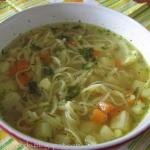 Zupka warzywna z makarone...
