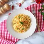 Spaghetti aglio, olio e p...
