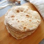 Domowe razowe tortille (T...