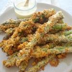 Pieczone szparagi w serow...