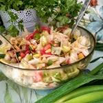 Surowka z salaty lodowej....