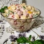 Salatka z sosem czosnkowy...